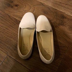 Naturalized Emiline Flats size 5